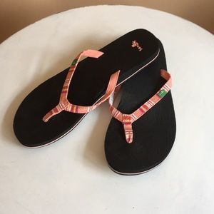 Sanuk NWOT flip flops